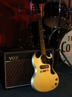 The Sinner paired with a Vox AC15 © 2018 42nd Street Guitars